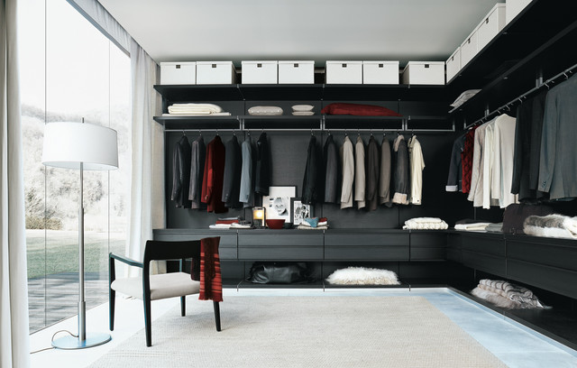 Men's Walk In Closet